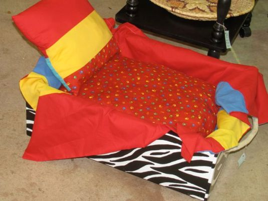Deluxe Doggie Bed With Bedding